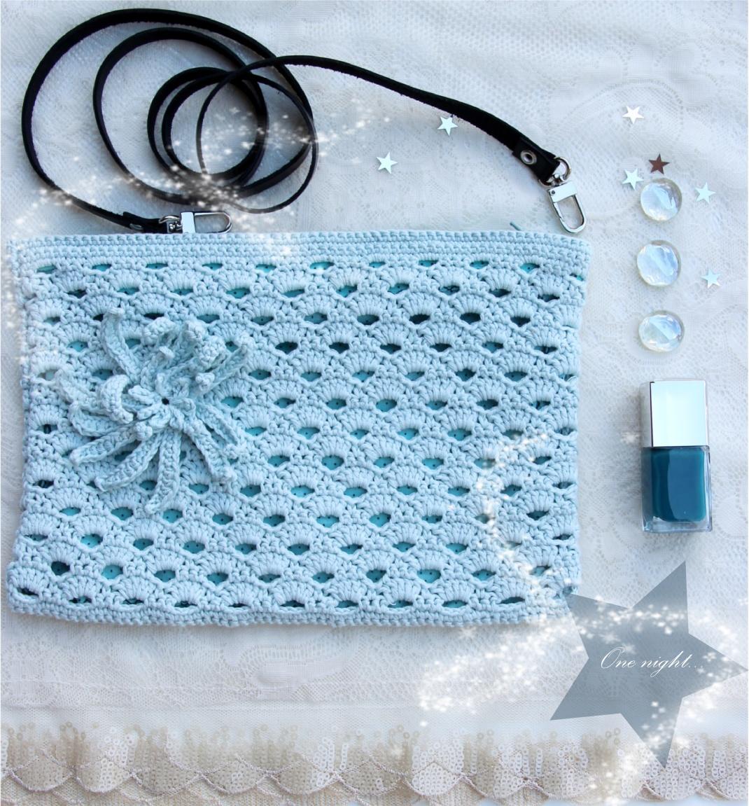 the serial crocheteuses 1 3 tutoriel pour une pochette au crochet le blog purple. Black Bedroom Furniture Sets. Home Design Ideas
