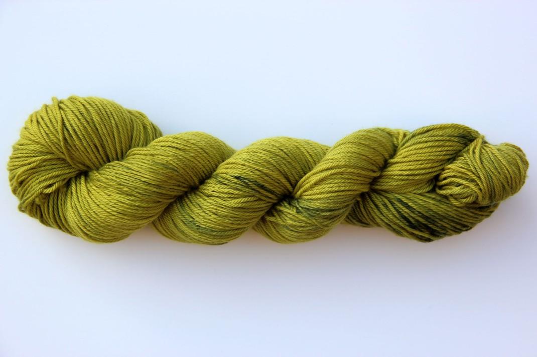 merinos-dk-264-m-purple-laines-teints-a-la-main-absinthe-2