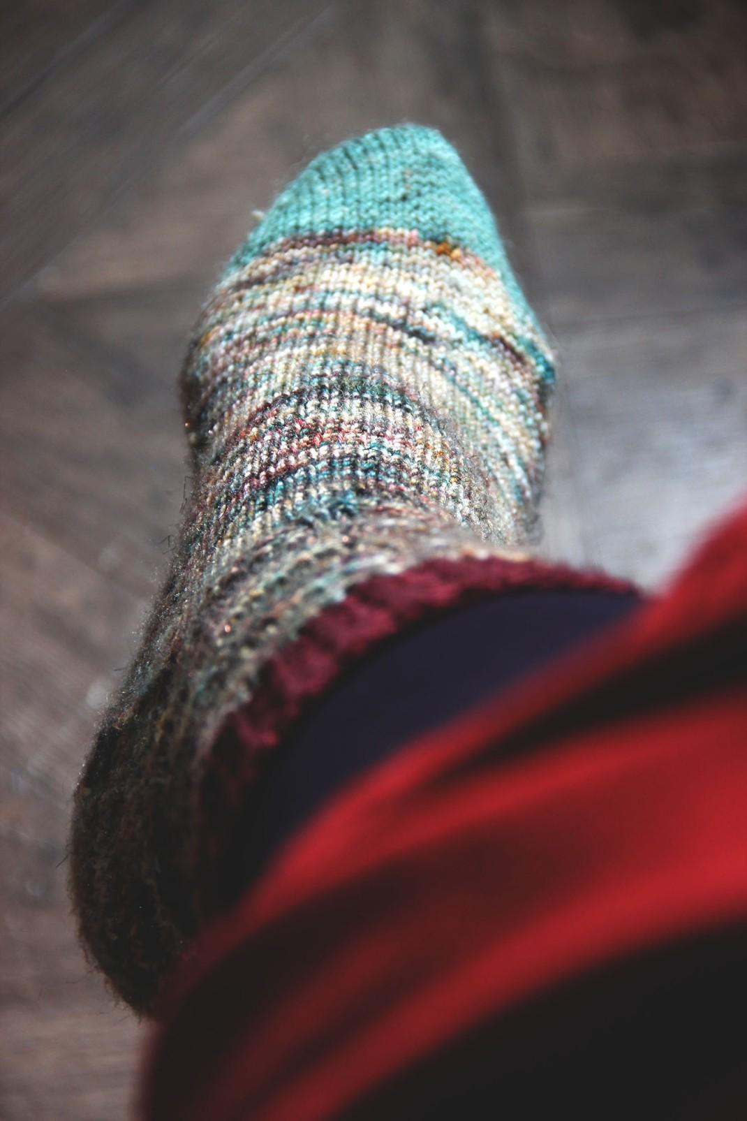 chaussettes-merinos-glitter-sauvage-purple-laines-7