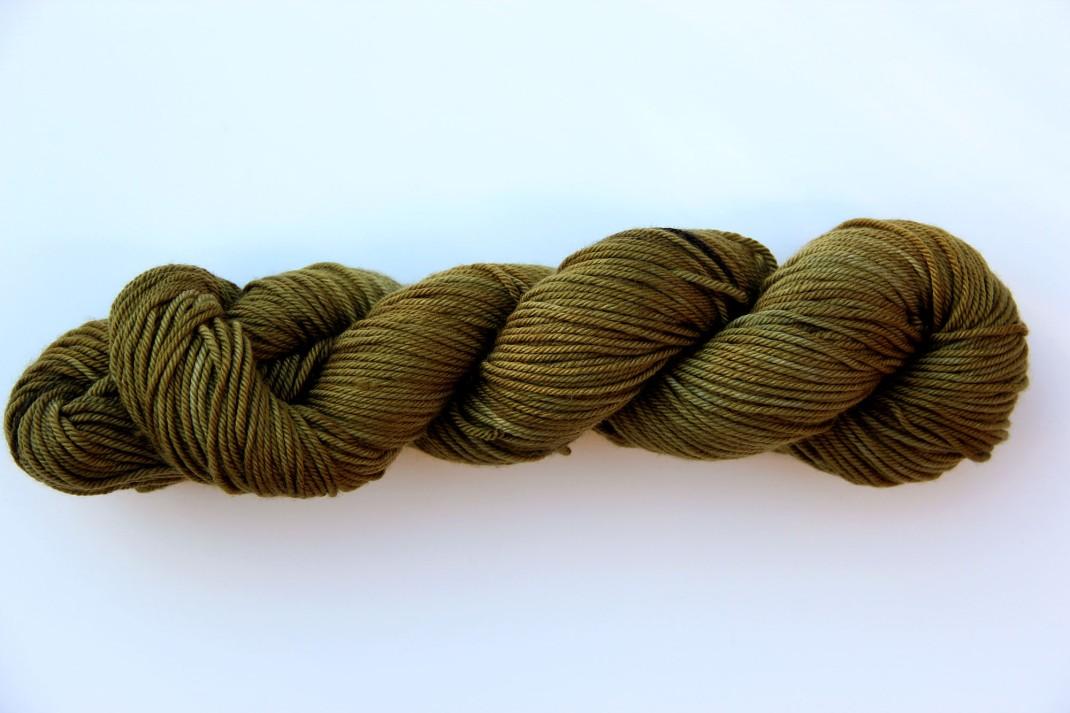 merinos-dk-264-m-purple-laines-teints-a-la-main-lor-noir-12