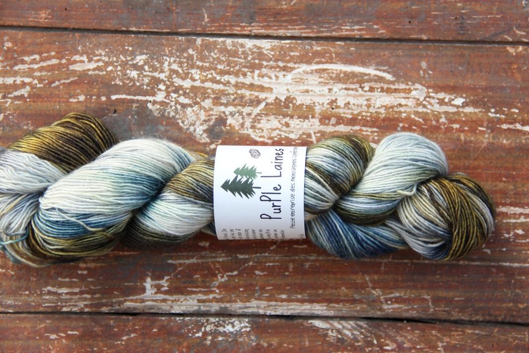 merinos-singles-fingering-purple-laines-rocheuses-1